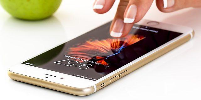 La protección de datos y la defensa de tu privacidad cuando usas el teléfono móvil