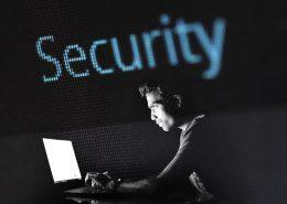 ¿Quién y cómo ha de redactar la política de privacidad de la web de una empresa?